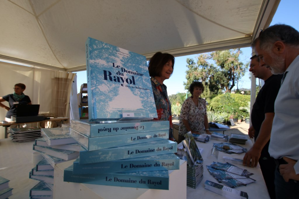 Vient de paraître : « Le Domaine du Rayol, Oser les Méditerranées »